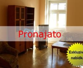 Pronájem zařízeného bytu 1+kk, 65m2, Praha 8 Karlín, Karlínské náměstí