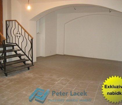 Exkluzivně pronájem obchodního prostoru 111m2, Praha 8 Karlín, Prvního pluku